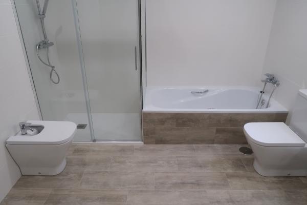 Reforma de baño Miraflores de la Sierra